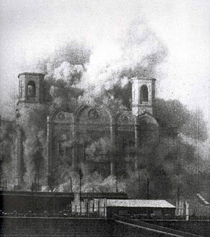 Cathedral_of_Christ_the_Saviour_(destruction,_1931)
